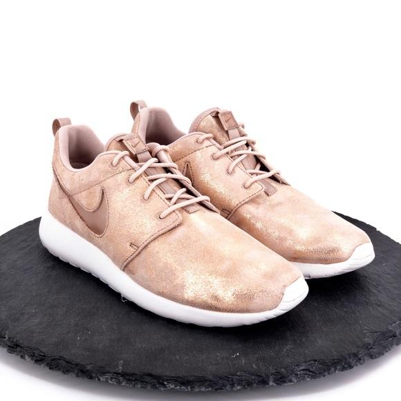 save off f42e2 d4585 Nike Roshe One Prem Rose Gold Metallic womens shoe